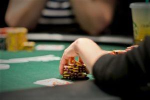 Cara Bermain Judi Poker Online Supaya Memperoleh Keuntungan Besar